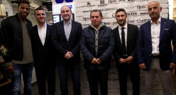 Özbek ve Galatasaraylı oyuncular Sabri'yi yalnız bırakmadı