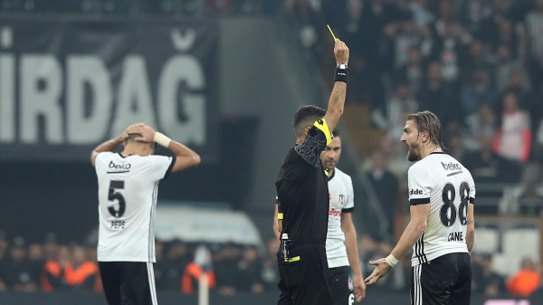 Caner Erkin'in 6 maçlık cezası onandı