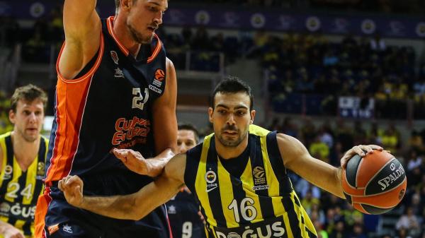 Fenerbahçe Doğuş'tan farklı zafer