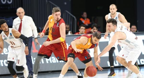 Galatasaray son periyotta yıkıldı!