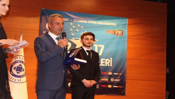 Yılın Teknik Direktörü 'İsmail Kartal'