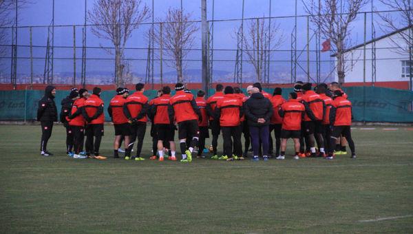 Atiker Konyaspor hazırlıkları başladı