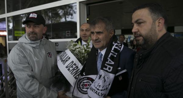 Beşiktaş kafilesi, Antalya'da