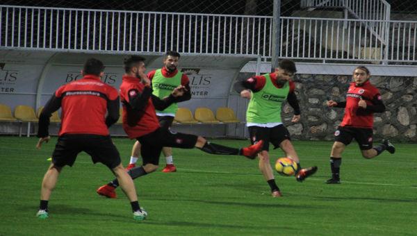 Gençler, Antalya'da çalışmalara başladı