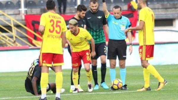 Malatyaspor'da Murat Yıldırım'ın sakatlığı korkuttu