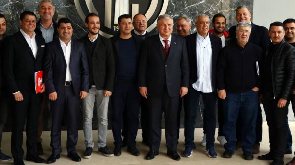 Antalyaspor Başkanı Bulut, Eto'o gerçeğini açıkladı