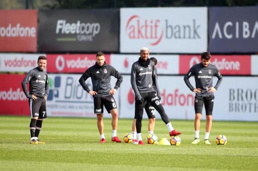 Beşiktaş'a Tosic ve Atiba'dan iyi haber!