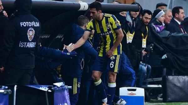 Fenerbahçe'ye İsmail Köybaşı'ndan kötü haber!
