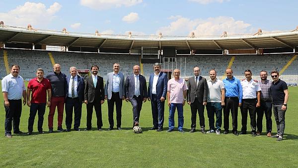 Baran'dan 19 Mayıs Stadyumu'na ziyaret