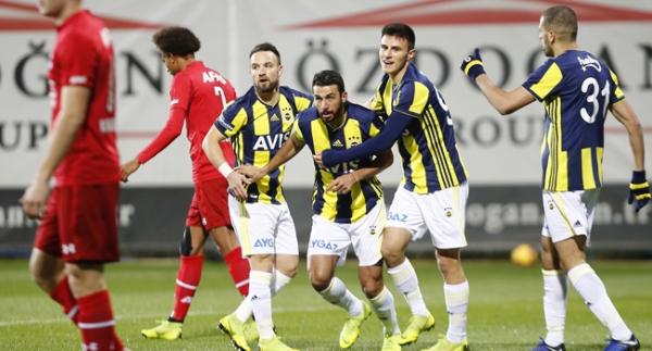 Fenerbahçe, Hollanda ekibini 3 golle geçti