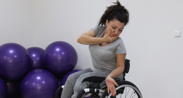 Spor ve dansla engelleri aşıyor