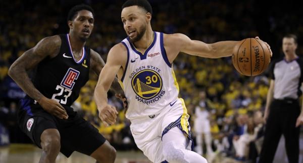 Curry rekorla başladı