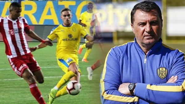 Mustafa Kaplan, Süper Lig'de ilke imza attı!
