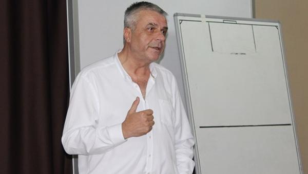 Akhisarspor'da Eryüksel güven tazeledi