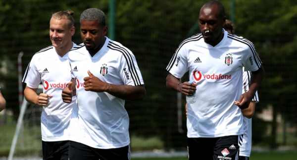 Beşiktaş'ta Atiba takıma döndü