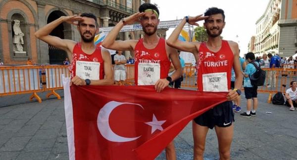 Napoli'de milli atletlerden bronz madalya