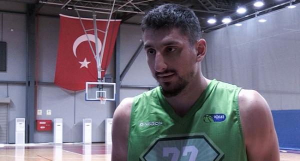 """Yaşar: """"Herkesin hayali NBA'de oynamaktır"""""""