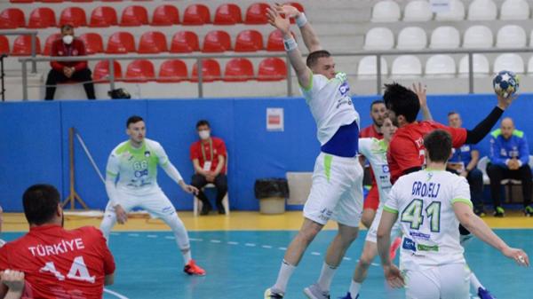 Milli hentbolcular Slovenya'ya mağlup