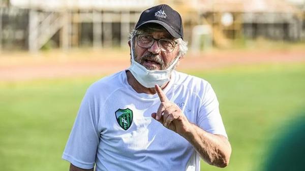 Mustafa Reşit Akçay'dan aşı çağrısı